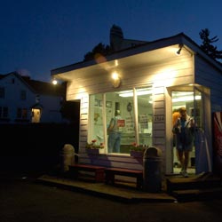 Donelly's Ice Cream Shop at night